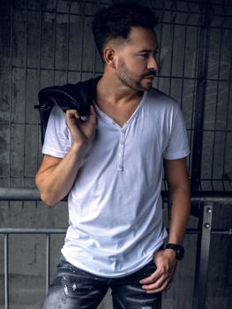 T-shirt męski bez nadruku biały Denley 4049
