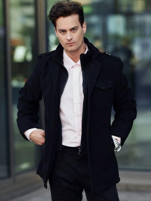 Stylizacja nr 339 - zegarek, płaszcz, elegancka koszula, chinosy