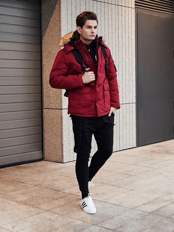 Stylizacja nr 387 - zegarek, kurtka parka, bluza z kapturem, longsleeve basic, spodnie joggery