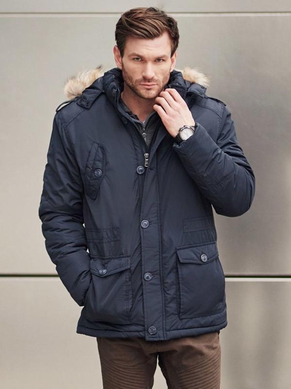 Stylizacja nr 406 - zegarek, zimowa kurtka parka, rozpinana bluza z kapturem, spodnie joggery