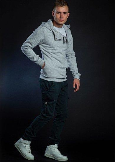 Stylizacja nr 43 - bluza z kapturem, T-shirt, spodnie joggery